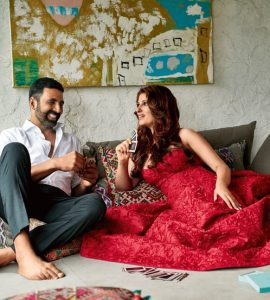 Twinkle khanna with akshay kumar at her house