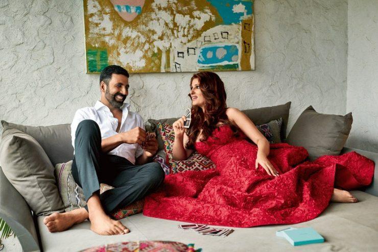 Twinkle khanna with akshay kumar at her house