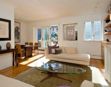 Anne Hathway Living room