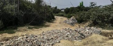 Illegal road, construction waste dumping on Aravali land near DLF-3